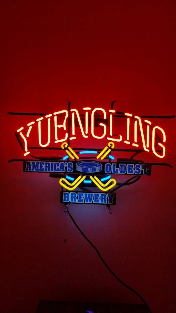 Yuengling Hockey NHL Neon Sign Displaly Store Beer Bar
